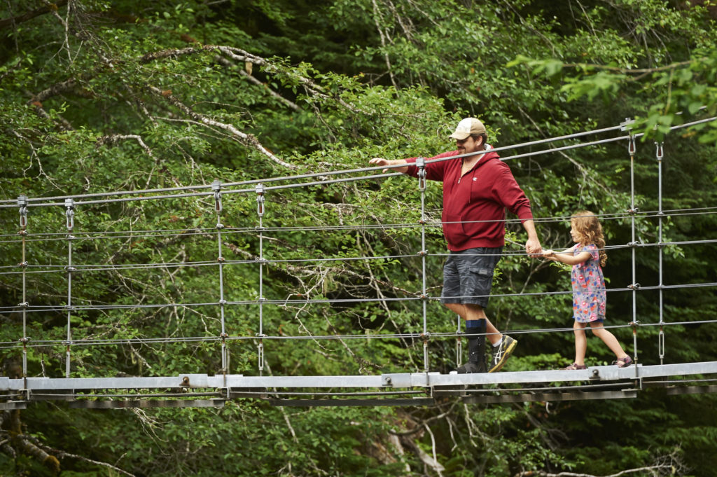 Family Pictures on the Suspension Bridge